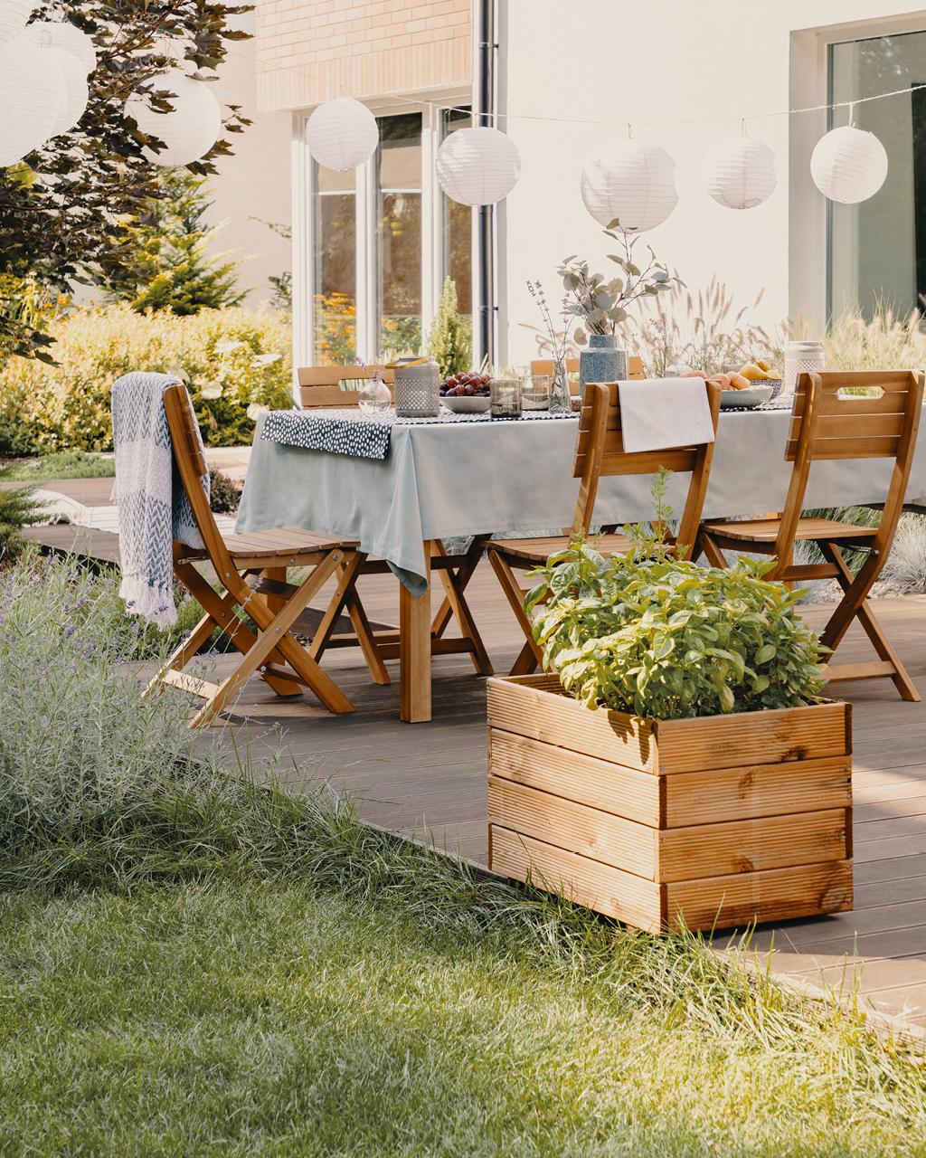 Ensemble repas terrasse