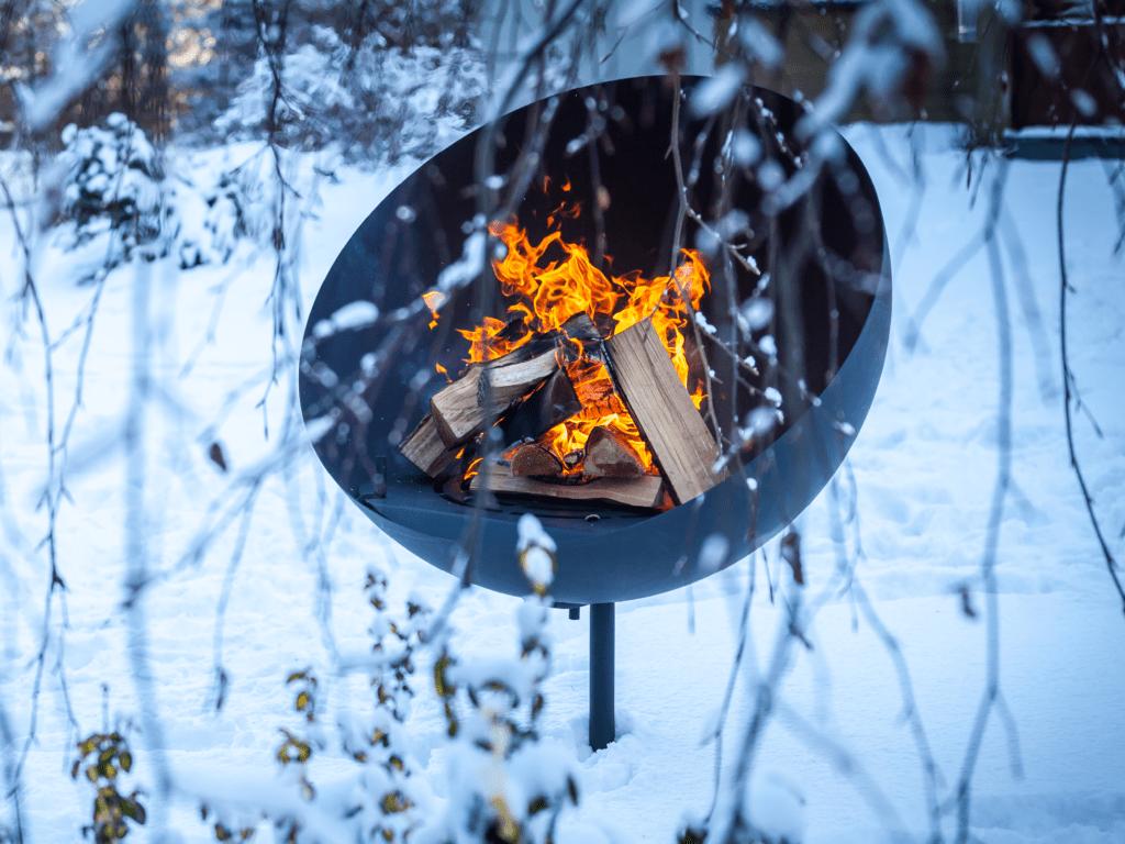 Brasero hiver feu neige jardin (1)