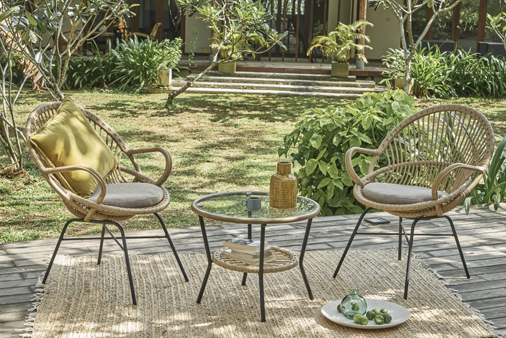 Salon de jardin en resine tressee