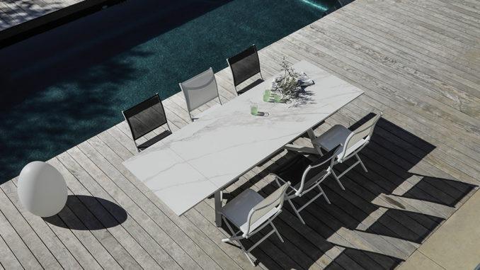 Table de jardin avec plateau céramique